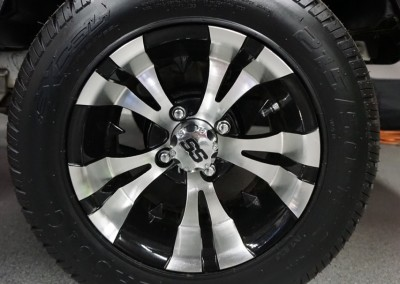 12″ Machined w/Black custom wheels – Vampire